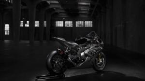 bmw-hp4-race-02