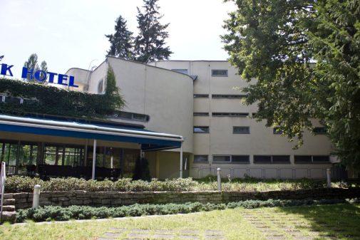 Dom hotelowy dla osób samotnych i małżeństw bezdzietnych, ul. Kopernika 9.