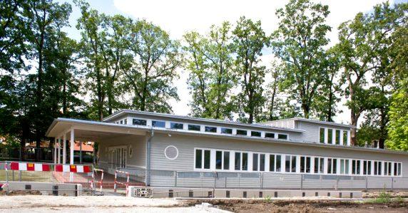 Przedszkole dla 60 dzieci, obecnie siedziba Dolnośląskiej Okręgowej Izby Architektów , T ulica Wróblewskiego 18.
