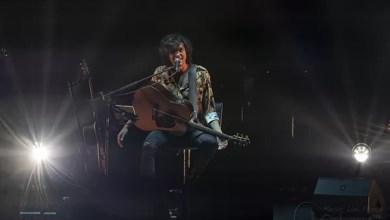 Photo of [REPORT & FOTO] Il live acustico di ERMAL META convince e con il suo talento conquista il soldout pugliese del Teatro Petruzzelli.