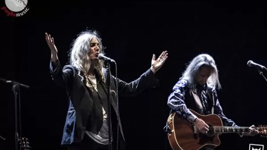 Photo of [Report & Foto] La sacerdotessa del rock PATTI SMITH strega Taranto in un Medimex internazionale