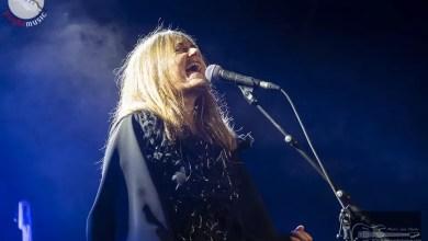 """Photo of NADA live a BARI: L'eterna ragazza ribelle di nuovo in Puglia, sul palco del Teatro Forma di Bari, con """"E' un momento difficile, tesoro"""""""