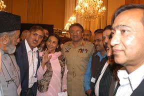 Islamabad workshop: Pres Musharraf with participants