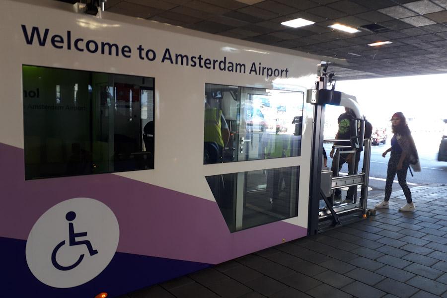 Schiphol Assistence Transferbus