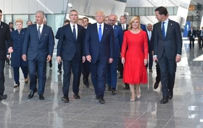 KOMENTARZ: Spotkanie szefów państw irządów NATO – Sojusz zwiększy zaangażowanie wwalce zterroryzmem