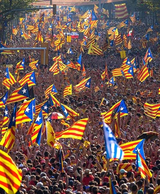 POLSAT NEWS 2   Ekspert FKP Łukasz Polinceusz: Barcelona zastygła