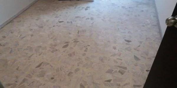 desbastado y pulido de piso de terrazo