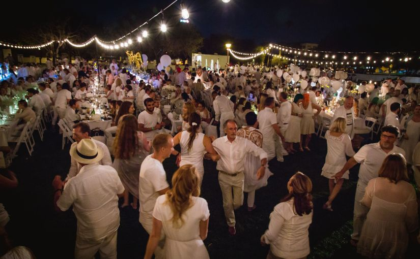 Hance Park Conservancy hosts 4th Annual Noche en Blanco