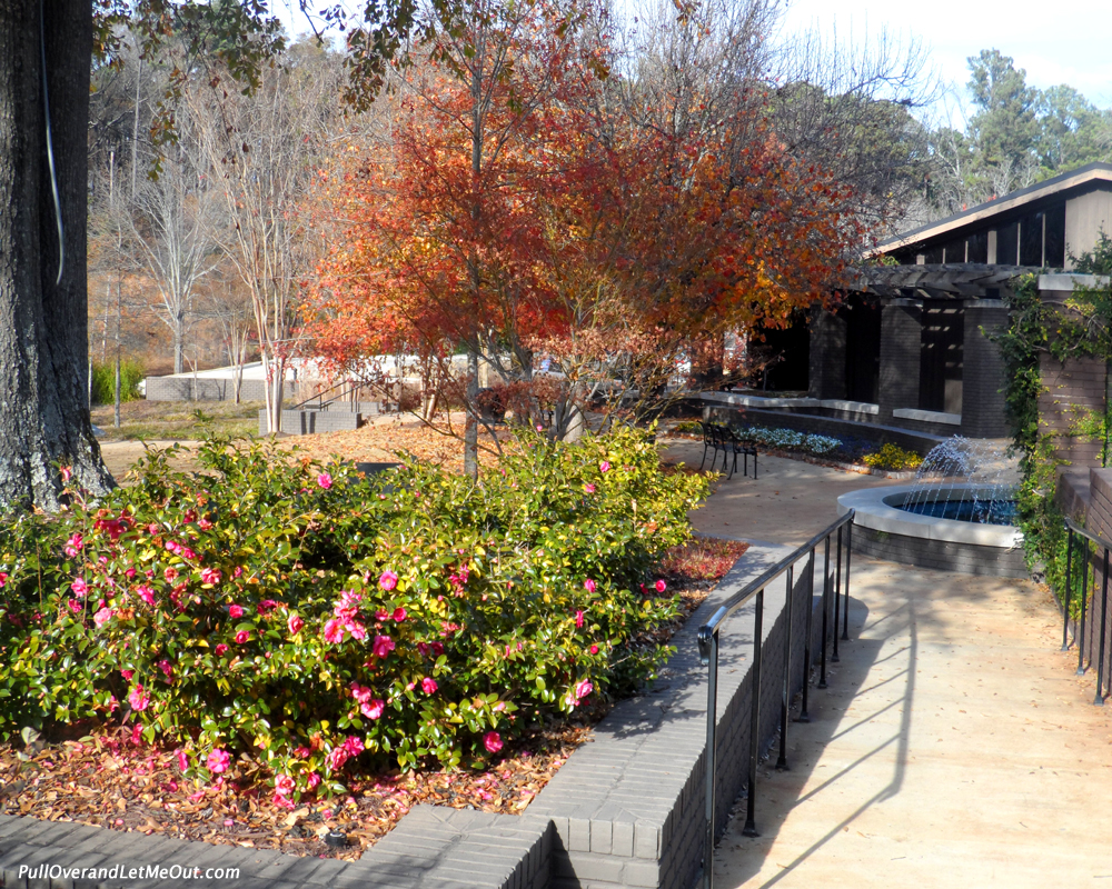 The Visitor Center houses a gift shop and museum and there is a film detailing Elvis' early years in Tupelo.