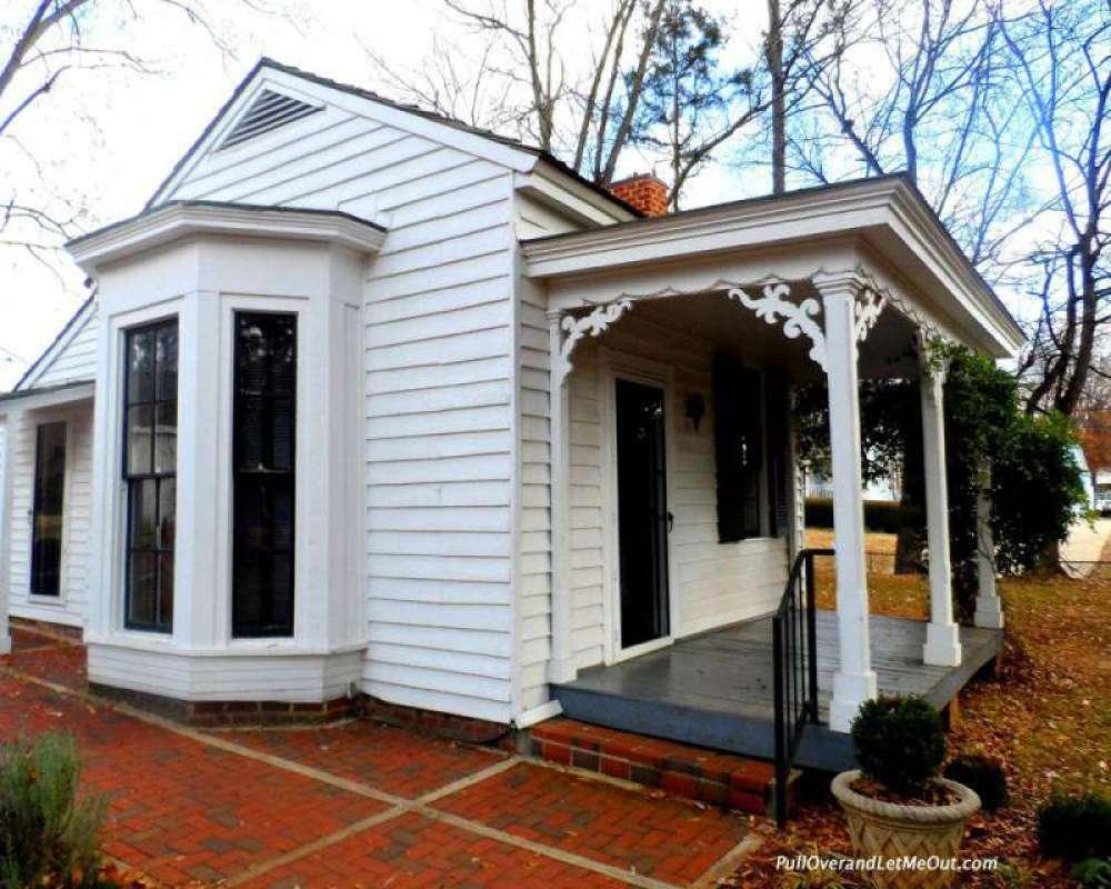 Ivy Green Helen Keller's birthplace