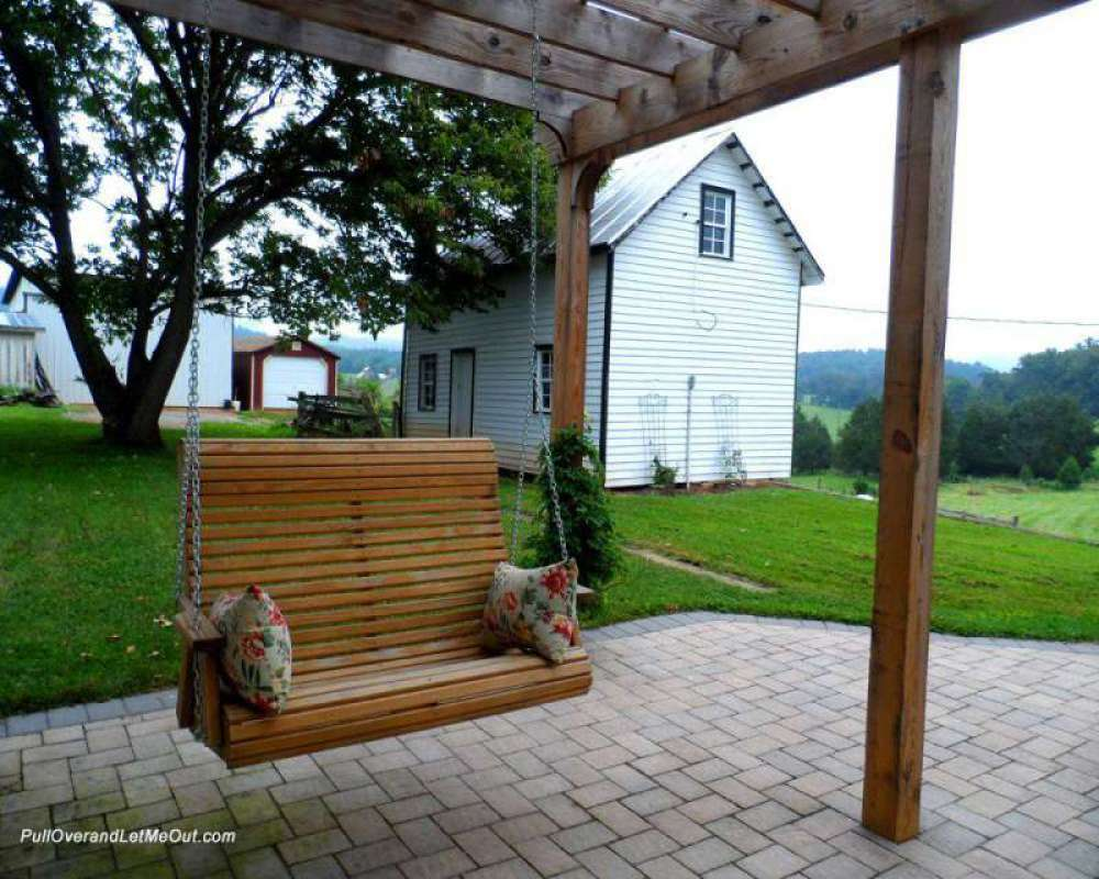 swing-at-Hood-House-with-sl