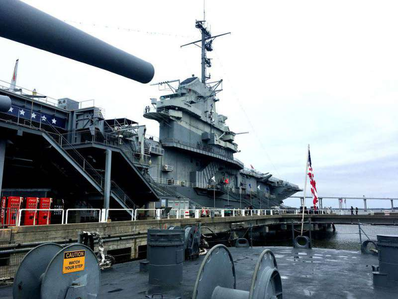 Yorktown-from-the-Laffey