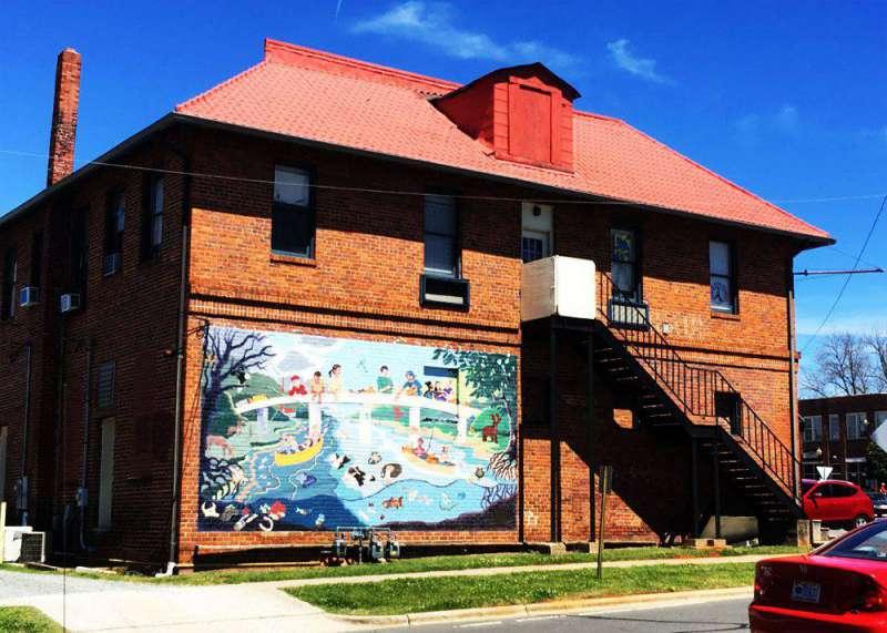 mural-in-Pittsboro-NC