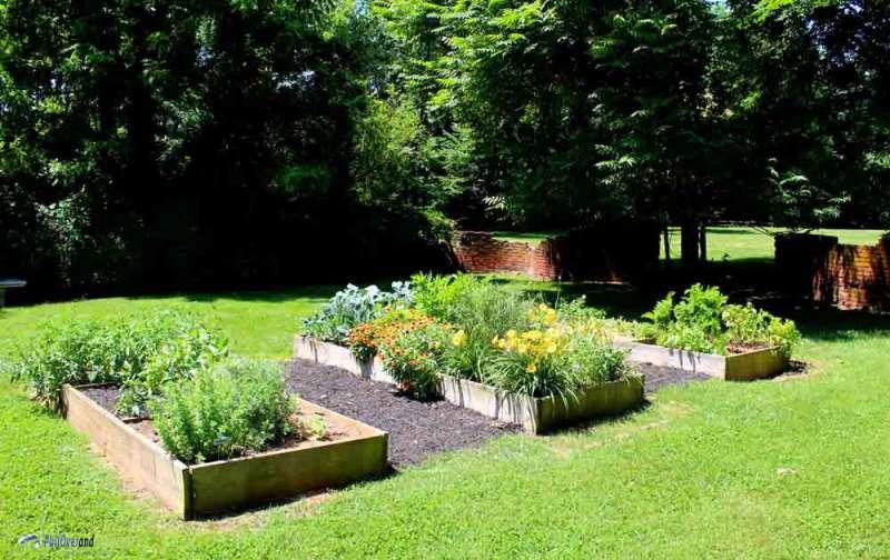 Garden at Jefferson's Poplar Forest PullOverandLetMeOut