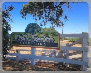 Oak Farm Vineyards sign