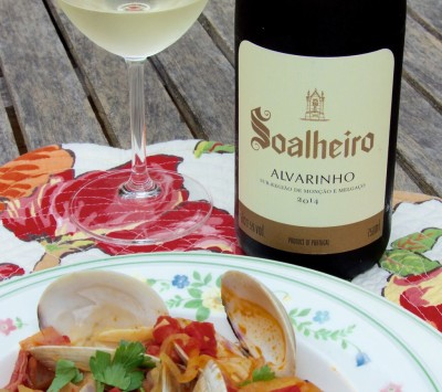 2014 Soalheiro Alvarinho with clams and sausage
