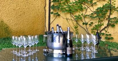Champagne AR Lenoble table