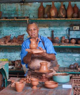 Bernardo Casanova master potter