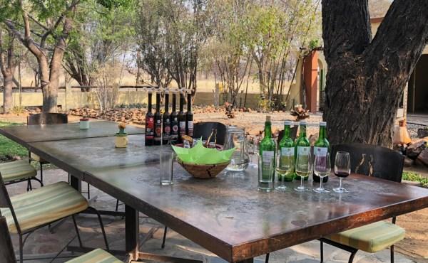 Wine tasting in the Kristall Kellerei 'wine garden'
