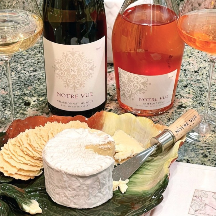 Snacking with Notre Vue wines photo