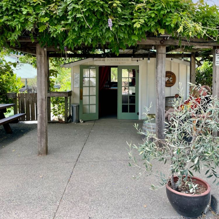 Tasting room at Porter Creek Vineyards photo