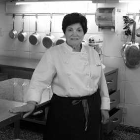 "<span class=""live-editor-title live-editor-title-20853"" data-post-id=""20853"" data-post-date=""2015-11-30 16:36:29"">Beatriz Chomnalez, Madame Chef</span>"