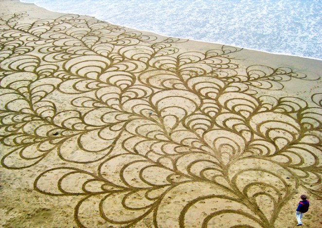 Andres-Amador_Sand-Painting-lead