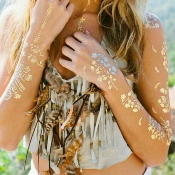 These Beautiful Metallic Tattoos Totally Look Like Jewelry