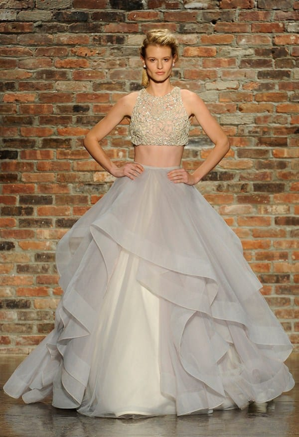 Charming Midriff Baring Gowns Are Definitely Up Jasmineu0027s Alley.
