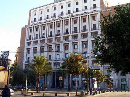 Istituto nazionale delle Assicurazioni (1938. M. Canino)