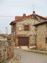 Lenger bort i gata lå stedets casa rural. Men det var ikke åpent.