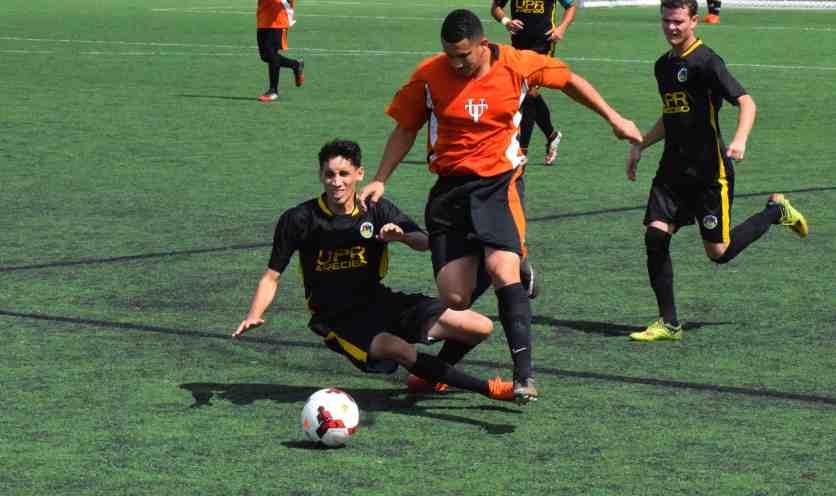 Las semifinales de fútbol arrancan con un empate y una ventaja ligera