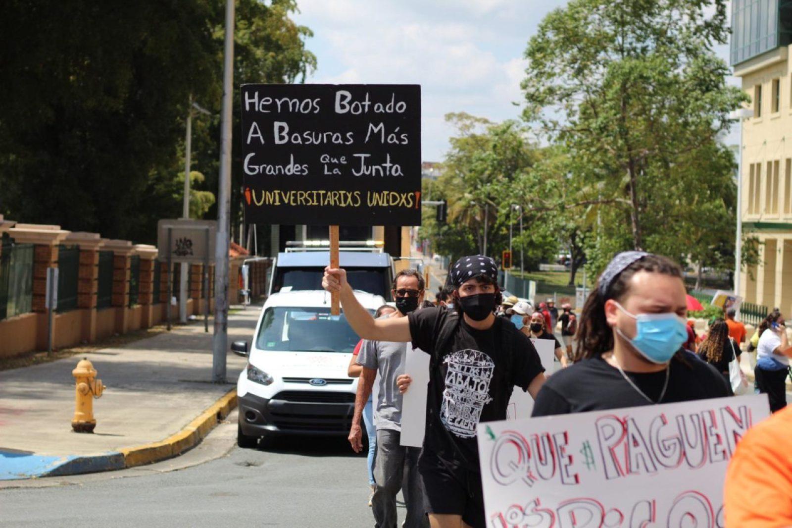 Revive el movimiento estudiantil con el coraje en la garganta
