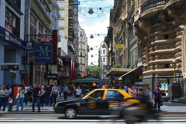 Calle-Florida-Buenos-Aires-Argentina-por-Iván-Utz-Flickr