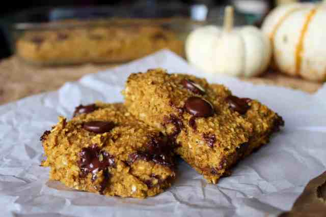 Pumpkin Oat Bars // pumpkin & peanut butter