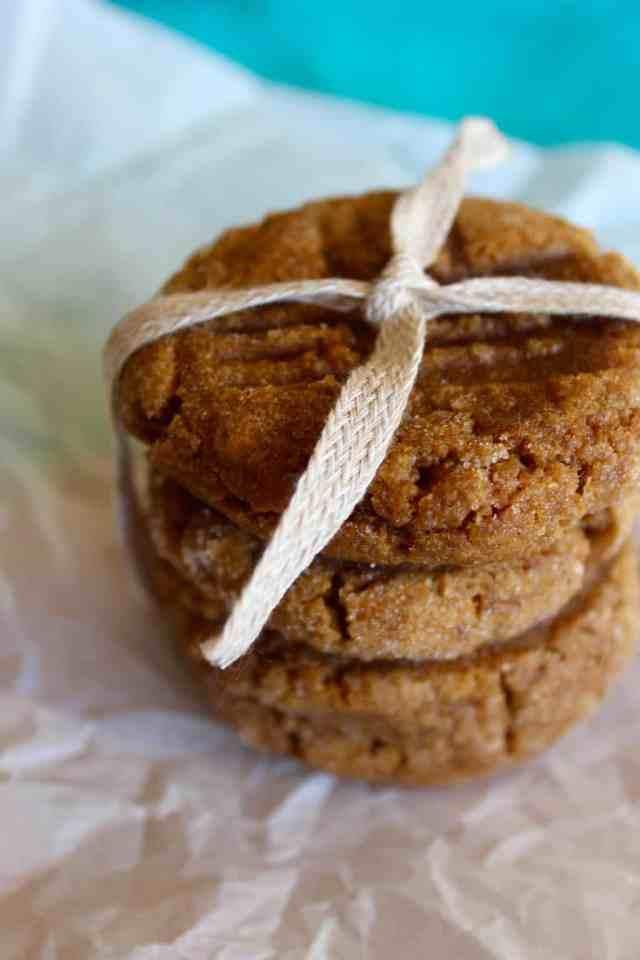 Vegan Pumpkin Ginger Molasses Cookies // pumpkin & peanut butter