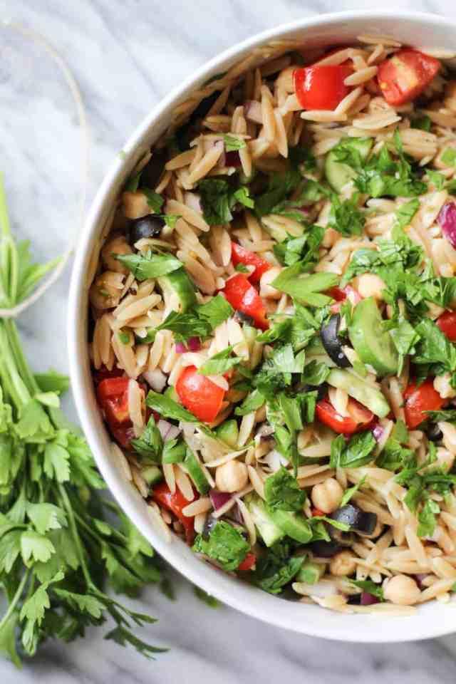 Vegan Mediterranean Orzo Salad // pumpkinandpeanutbutter.com