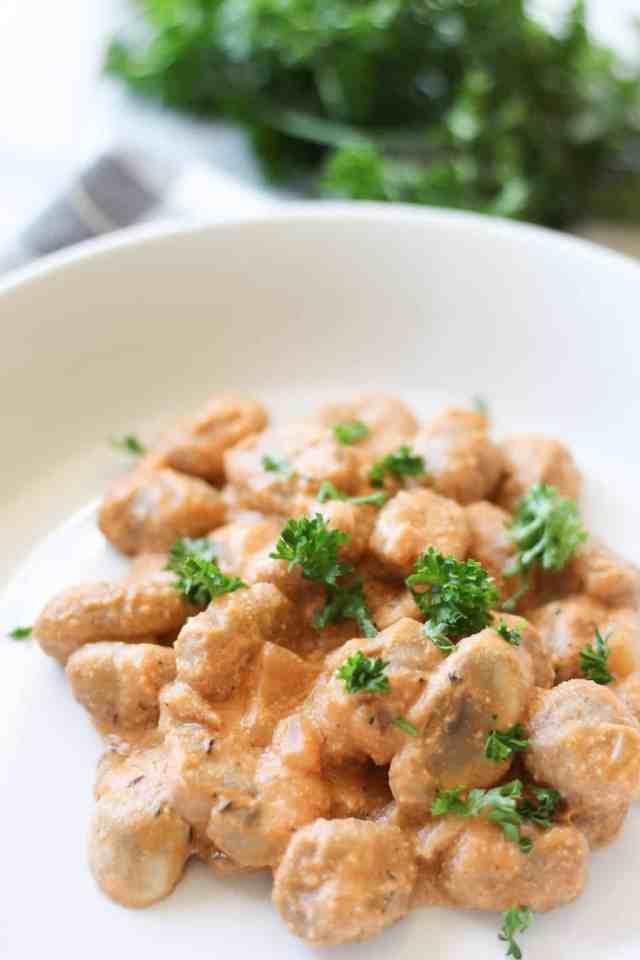 Mushroom Stroganoff Gnocchi {vegan} // pumpkinandpeanutbutter.com