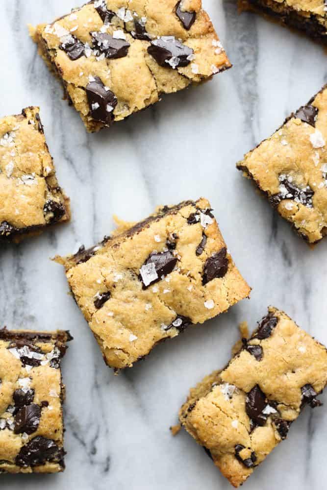 Brown Butter Ginger Chocolate Chunk Cookie Bars | pumpkin + peanut butter #cookies #chocolatechipcookies #cookiebars #baking #dessert #chocolate