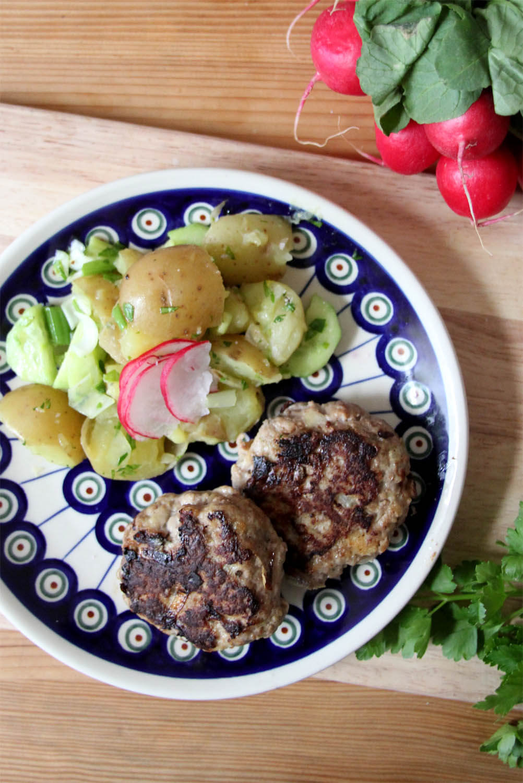 Mama's Frikadellen mit Kartoffelsalat