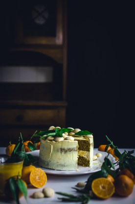 Tangerine biscuit layer cake with gingerbread spices & Italian meringue buttercream