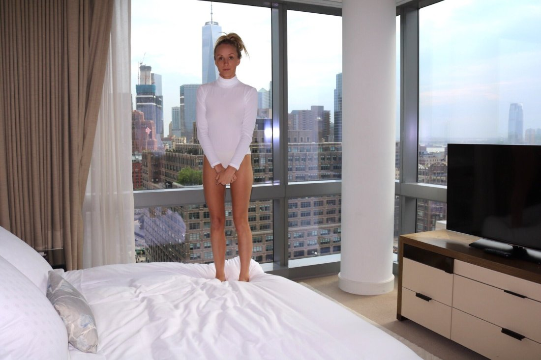 nastia liukin white leo bedroom2