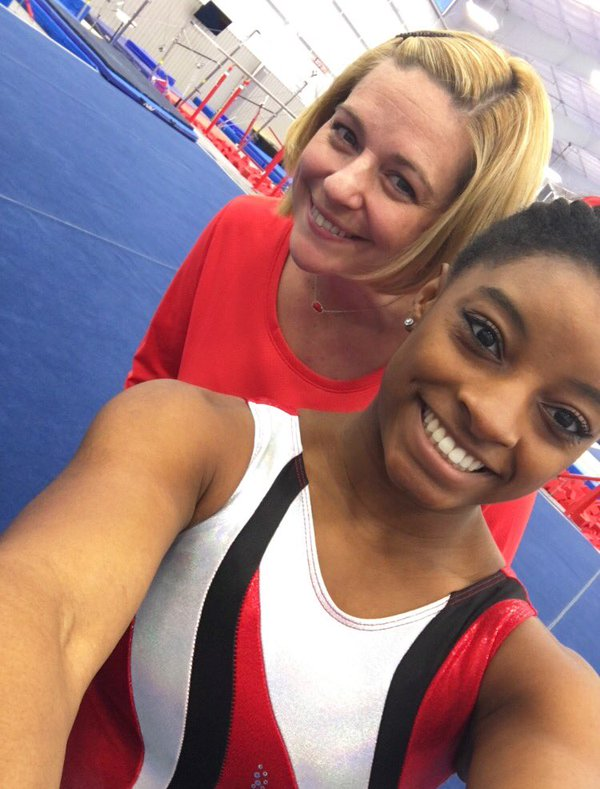 simone biles and coach