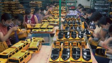Chinese Factory Workers & the Toys They Make