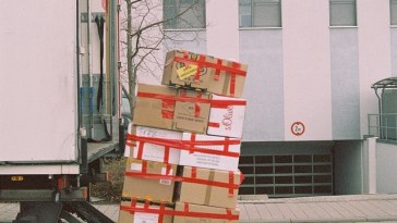 With New Yorkers Staying Put, Moving Companies Go the Extra Mile