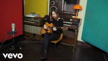 Tame Impala – On Track (Acoustic Live)