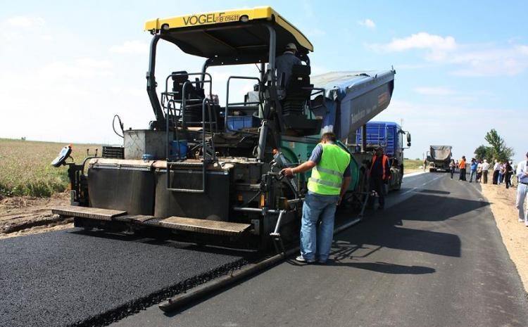 DOLJ. Prima mare investiție în 2017: modernizarea drumului Craiova-Cetate, 40 de milioane de euro, 21 km de piste pentru bicicliști și 14 stații de autobuz