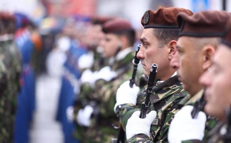 Craiova. Parada cu 600 de militari și 65 de vehicule