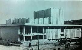 22 decembrie 1989/ V-ul Victoriei de pe frontispiciul Teatrului Național din Craiova