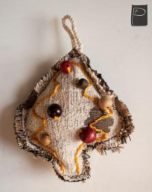 textile_oralments_xmas_handmade_wooden_pearls_13